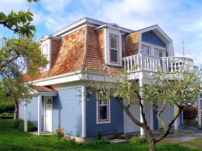 Whibey Cottage-Carriage House at the Lovejoy Inn in Coupeville - Whidbey Cottage - Walk to Everything in Coupeville - Coupeville - rentals