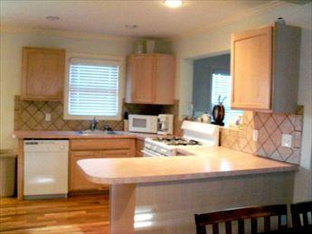 KITCHEN - 585-Laracca 77580 - Long Beach Township - rentals