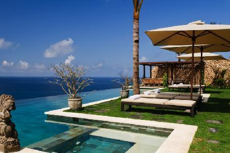 Villa Ambar is a haven of privacy, boasting ocean views & infinity pools - Image 1 - Uluwatu - rentals