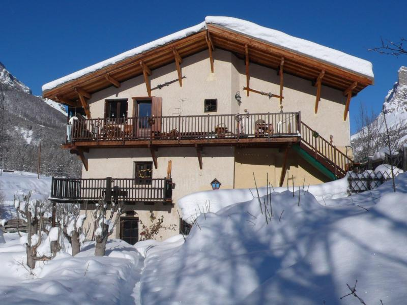 COSY HOUSE IN THE SERRE-CHEVALIER SKI RESORT - Image 1 - Le Monetier-les-Bains - rentals