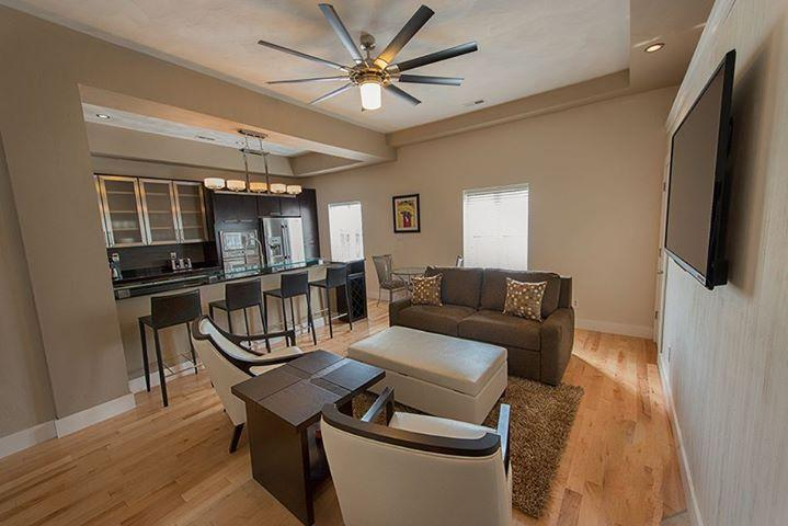 Living room, the very best furniture! - Plaza 2700 - San Remo - Virginia Beach - rentals