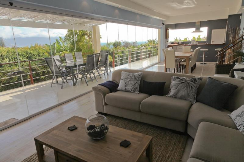 Views from the Living room - PINGUSHOUSE LUXURY VILLA WITH POOL IN SIMON'S TOWN - Simon's Town - rentals