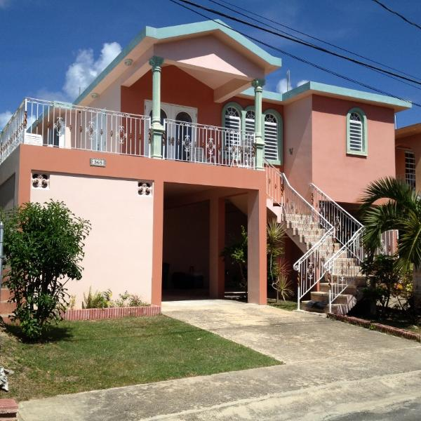 Three bedroom house with AC in all areas - Casa Bromelia - walk to the beach - Vieques - rentals