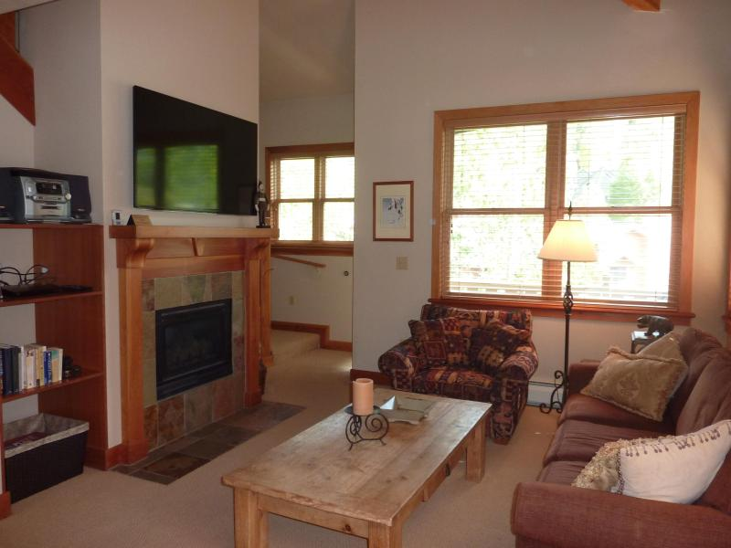 Living Room - Deer Valley Condo with Hot Tub, Steps from the Bus - Park City - rentals