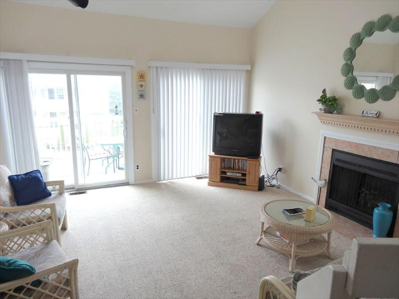 620 Ocean Avenue 2nd Floor, Unit B4 115203 - Image 1 - Ocean City - rentals