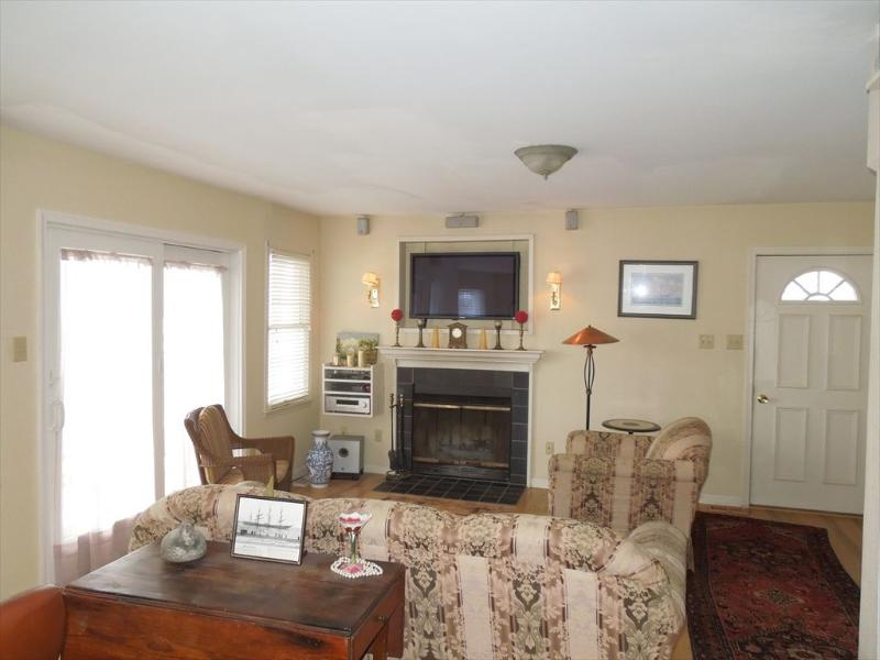 Living Room - 904 St. Charles Place 1st 108160 - Ocean City - rentals