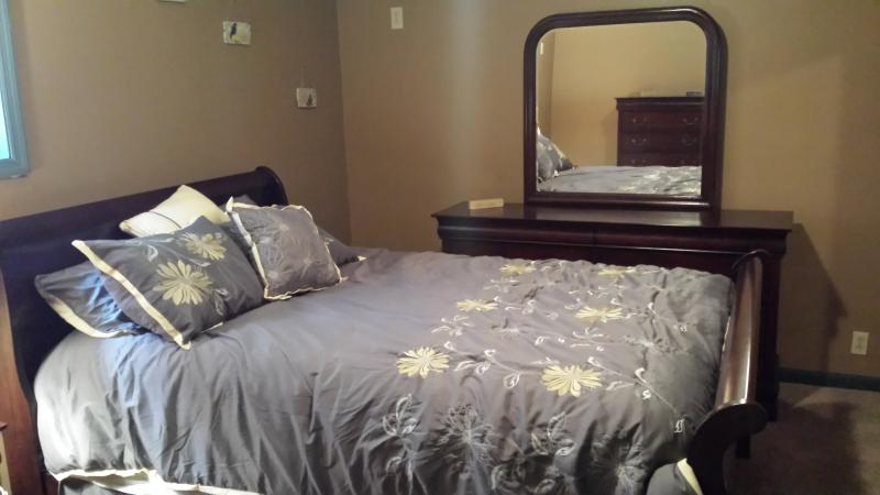 Master Bedroom - Country Oasis  Near Ligoner, Perfect for Relaxation in Natures Beauty - Ligonier - rentals