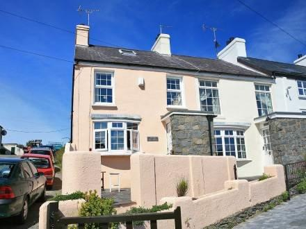 Old Post Office ~ RA30137 - Image 1 - Amlwch - rentals