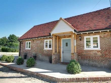 The Old Pump House ~ RA29925 - Image 1 - Maidstone - rentals
