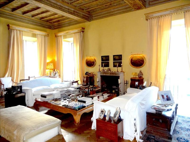 In Rome, an Aristocratic, 3 bedroom Apartment in an Elegant Historic Palace near the Piazza Navona - Image 1 - Rome - rentals