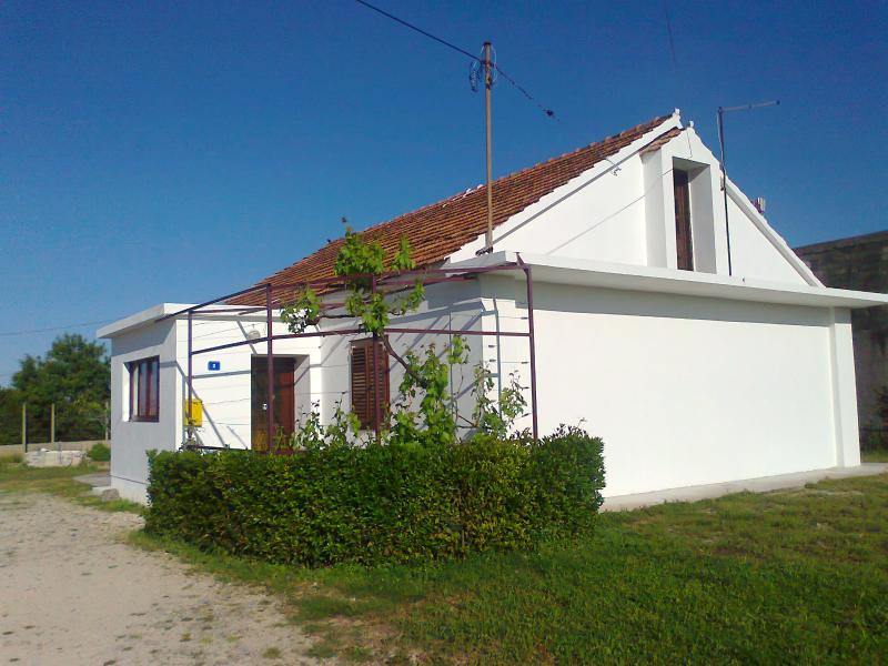 Beautiful and comfortable private house in Zadar - Image 1 - Zadar - rentals