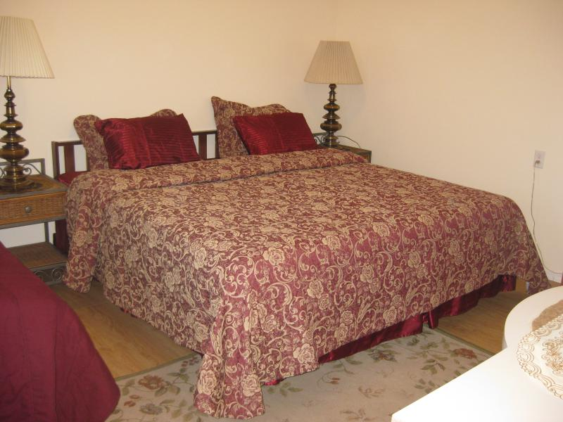 1BD Cozy Vacation house near beach (830A) - Image 1 - Staten Island - rentals