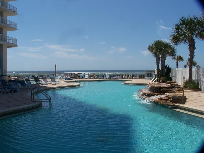 Large Model Condo Master on Water - Image 1 - Panama City Beach - rentals