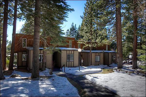 Walk to Restaurants and Shopping - Close to Squaw Valley Ski Resort - Minutes Walk To Beaches and Town (1864) - Lake Tahoe - rentals