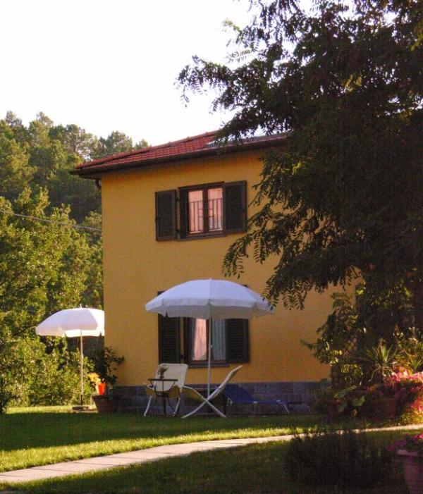 The 700 square meters garden around the house - Beautiful two rooms apartment near Cinque Terre - Framura - rentals
