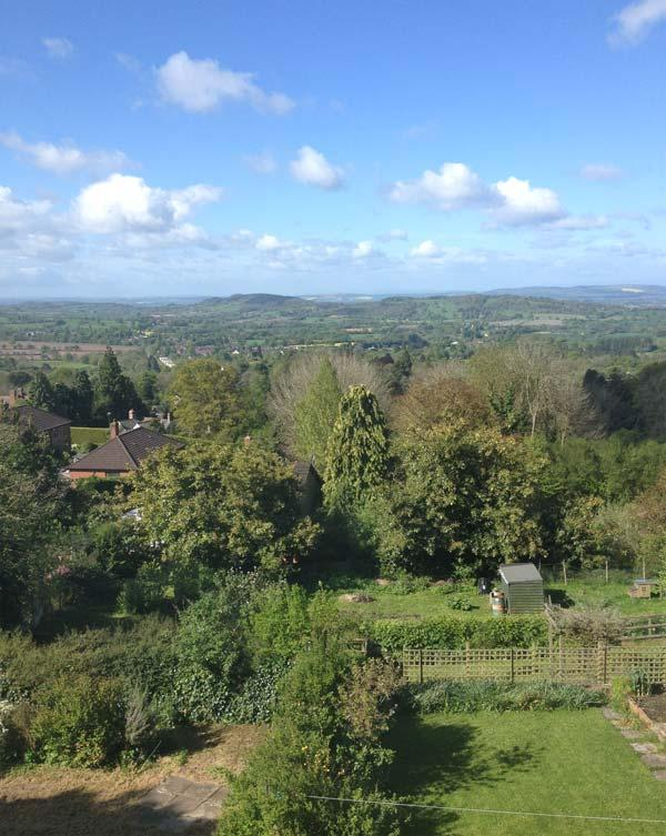 WESTLEIGH, fantastic views, flexible sleeping, WiFi, walking and cycling from the doorstep, near Malvern, Ref. 913171 - Image 1 - Malvern - rentals