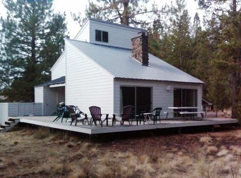 Landrise 10 - Exterior, Deck with Outdoor Furniture - LANDRISE 10 - Sunriver, Oregon - Sunriver - rentals
