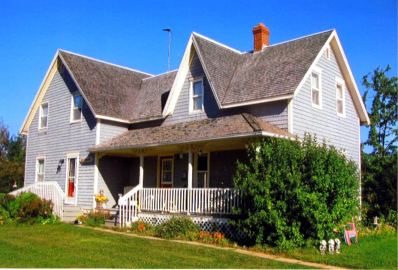 Stewart Harbourside Cottage - Stewart Harbourside Cottage - West Point PEI - Oleary - rentals
