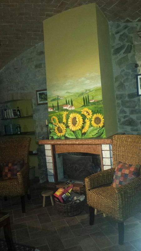 Living room with fireplace - Apartment in Montemerano near Saturnia - Tuscany - Manciano - rentals