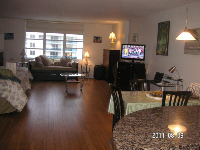 Roney Palace For Rent #1512 - Image 1 - Miami - rentals