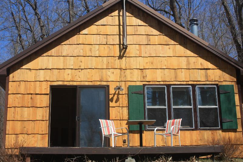 Newly updated Cabin rental - SECLUDED CABIN RENTAL & FALL COLORS ON QUIET LAKE - Squaw Lake - rentals