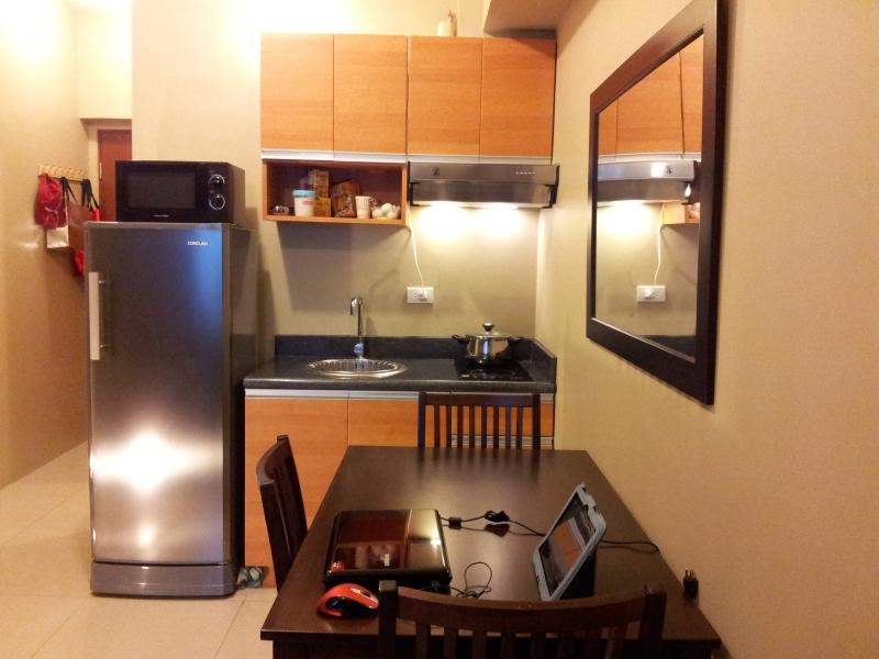 Dining and Kitchen Area - NEW APARTMENT OR CONDOMINIUM FOR RENT IN MAKATI CITY, METRO MANILA - Makati - rentals