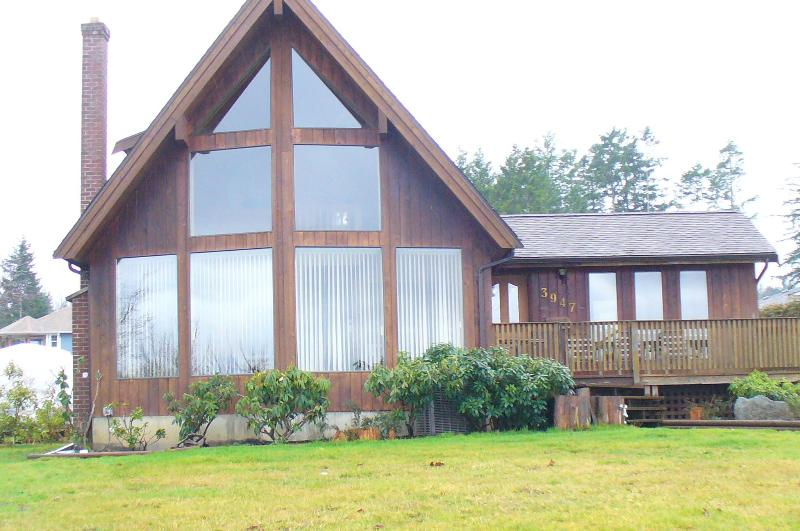 The House - Beautiful Waterfront Worth A Visit - Courtenay - rentals