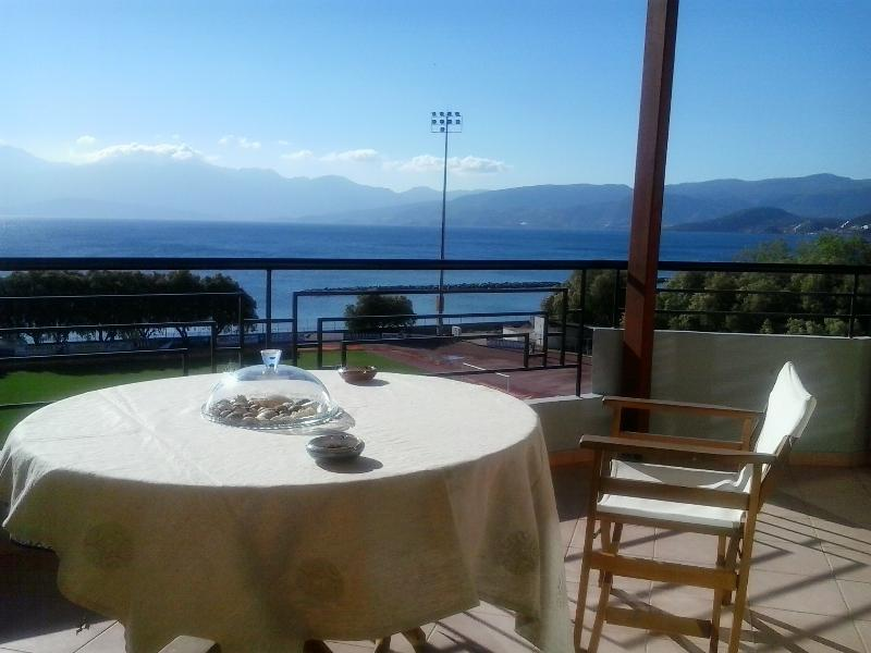 magnificent sea view - 2-Bedroom Apartment with stunning sea-view - Agios Nikolaos - rentals