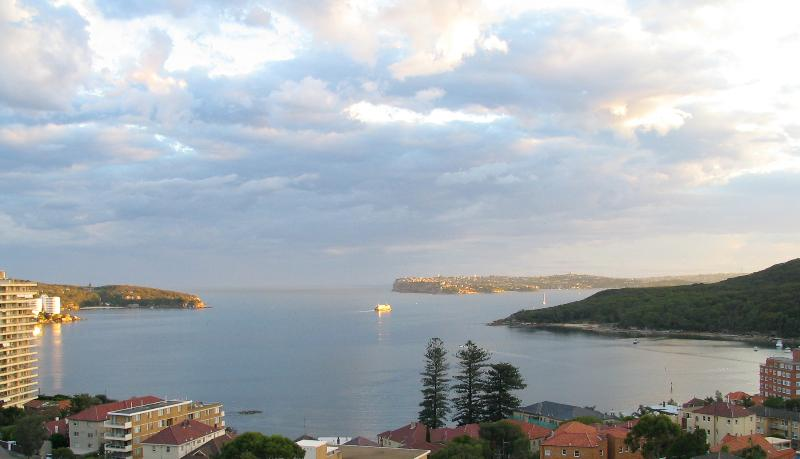 View from apartment looking towards North and South Heads of Sydney Harbour - Lovely Sydney Apartment - Fairlight - rentals