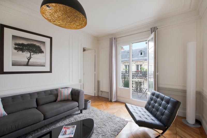 Living room - Golden Triangle Chic - Paris - rentals
