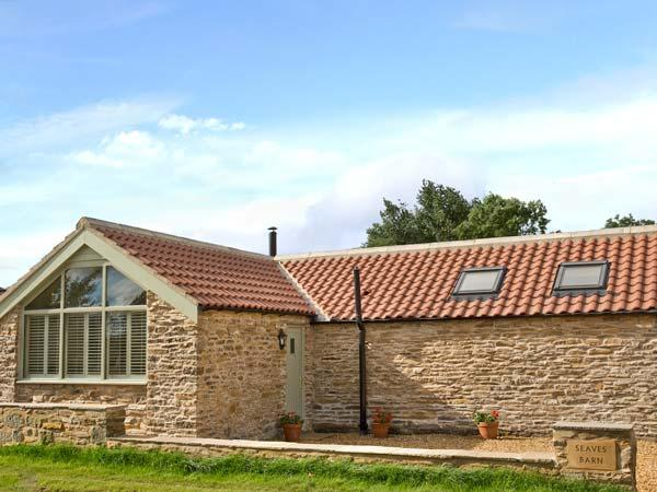 BARN OWL COTTAGE, detached, woodburner, off road parking, paved terrace, in Brandsby, Ref 25755 - Image 1 - Crayke - rentals