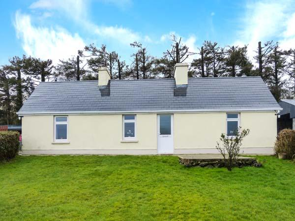 HEATHER COTTAGE, ground floor cottage, dog-friendly, woodburner, far-reaching views, detached cottage near Rathmore, Ref. 30870 - Image 1 - Millstreet - rentals