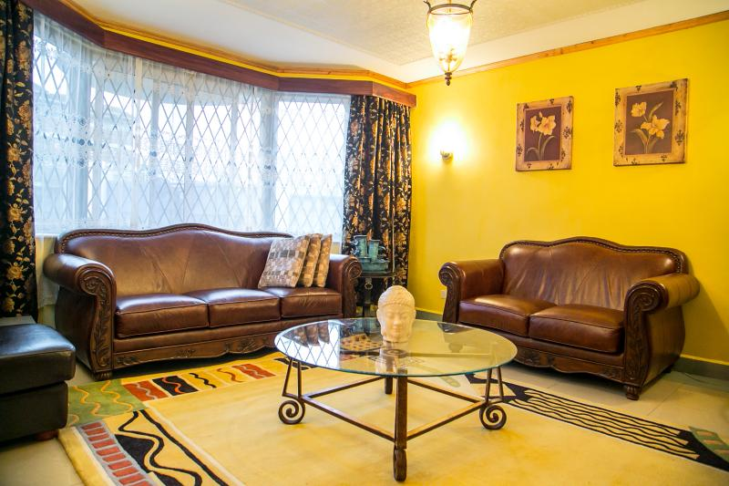 Spacious Living Room - Geo Mara Luxury 4 Bedrm Near JKIA Airport Nairobi - Nairobi - rentals