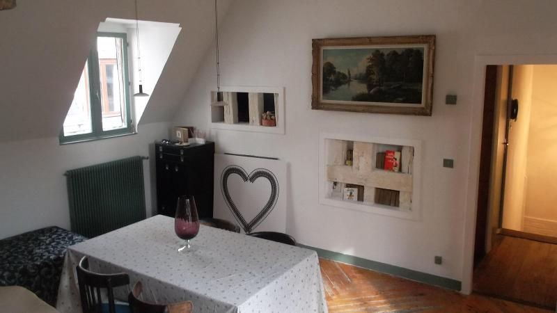 appartment in a historic mansion - Image 1 - Rouen - rentals