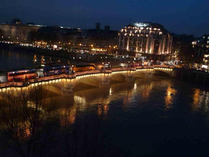 The best amazing view on the Seine! - Image 1 - Paris - rentals