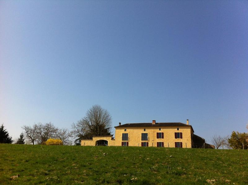 The farmhouse viewed from the front - Handsome rural farmhouse with superb private pool - Montcabrier - rentals
