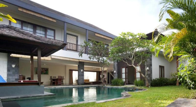 Villa & Pool Overview - Fanisa, Modern Chic 3BR Villa, 150 m to Eco Beach - Canggu - rentals