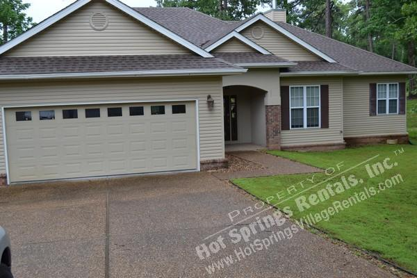 10FierLn Isabella Golf Course | Home | Sleeps 8 - Image 1 - Hot Springs Village - rentals