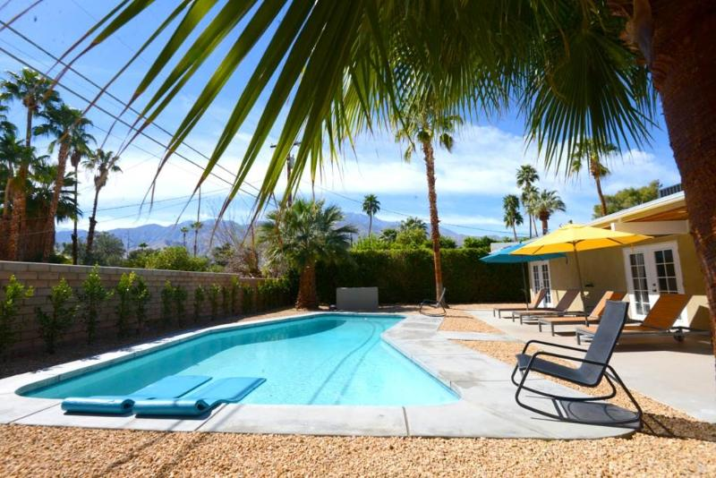 Sunmor Escape - Image 1 - Palm Springs - rentals
