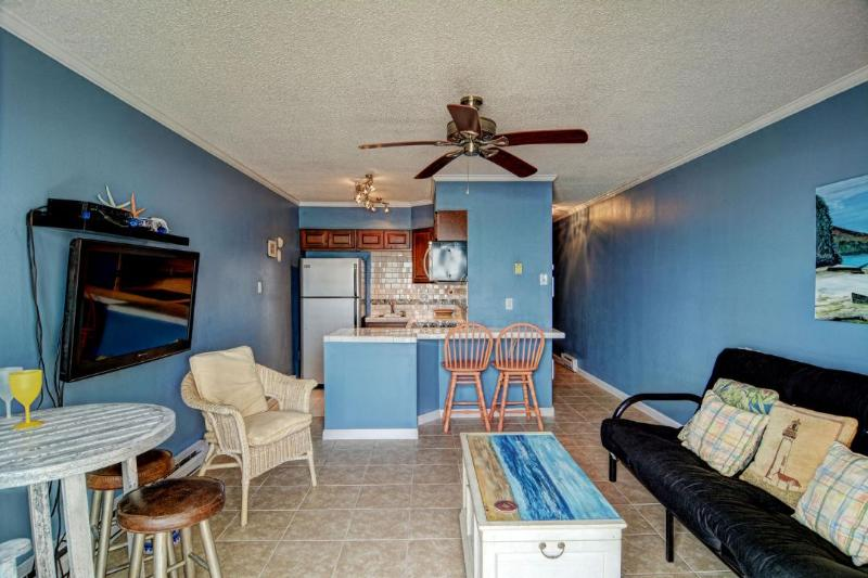 Living/ Dining/ Kitchen Area - Topsail Reef 178 - Sneads Ferry - rentals
