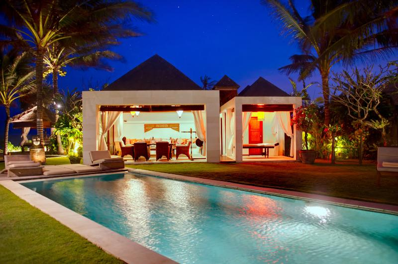 Pool-dining-and-spa - Sakova Villa 0216 Ketewel 4 Bedroom - Sanur - rentals
