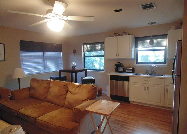 Great Hills Apartment Minutes From Downtown - Image 1 - Austin - rentals