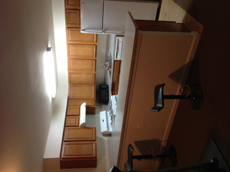 Spacious Modern 2BD Apartment - Image 1 - Far Rockaway - rentals