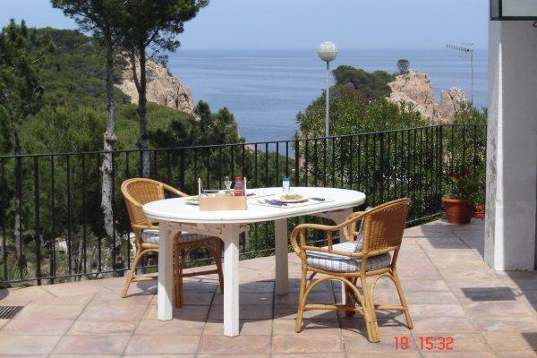 Holiday house for 8 persons, with swimming pool , near the beach in Tamariu - Image 1 - Tamariu - rentals