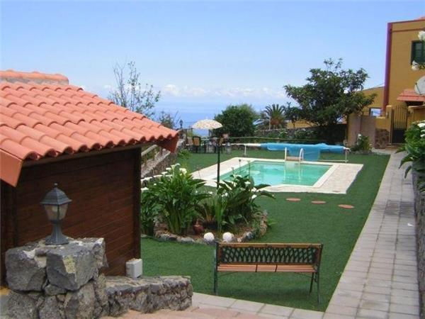 Holiday house for 6 persons, with swimming pool , in La Orotava - Image 1 - La Orotava - rentals