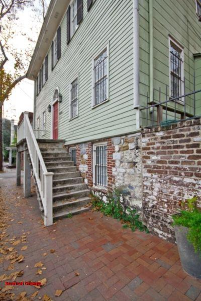 1026: Paul Hamilton Williams Townhouse - Image 1 - Savannah - rentals
