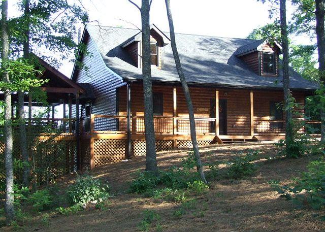 Entrance View of Cabin - WHISPERING MOUNTAIN LODGE - Mineral Bluff - rentals