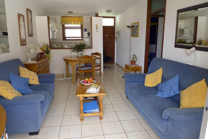 Lounge area in Apartment - Los Cristianos Tenerife delightful Seafront  2 bed - Tenerife - rentals