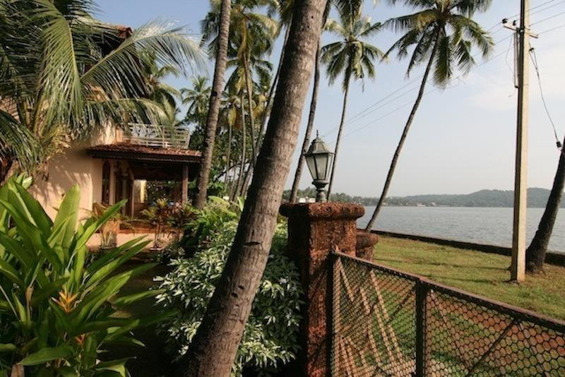 Side view of the house - Sequoia, 3 bedroom Villa overlooking the river Goa - Goa - rentals