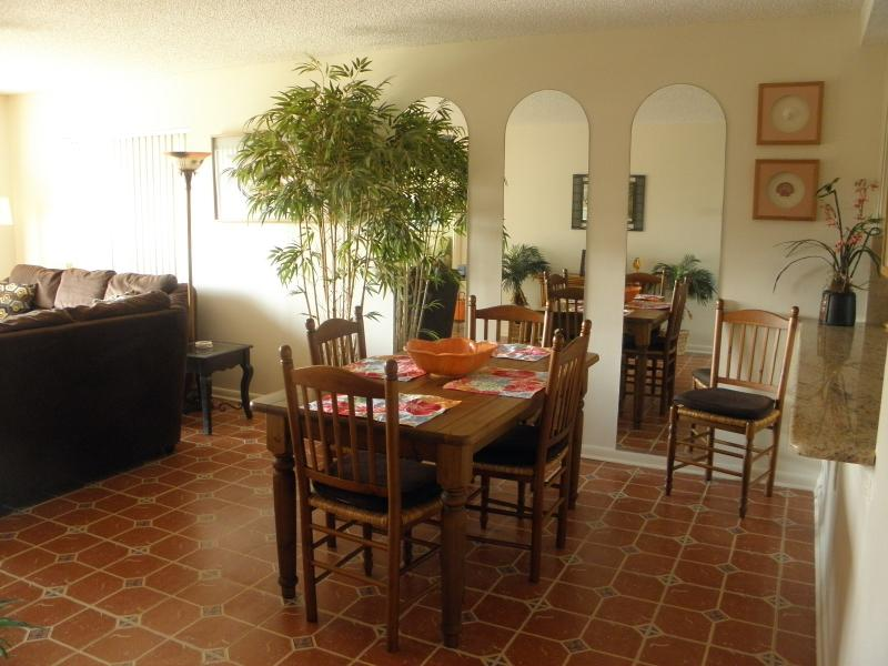 Dining Room - Ocean Village Club J31 - Saint Augustine - rentals